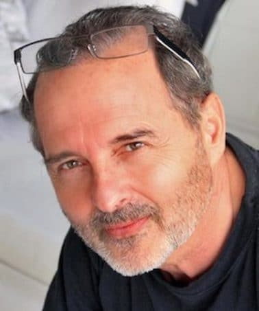Un documentaire sur Raymond Acquaviva